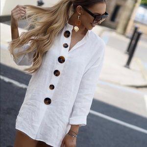 Bloggers favorite Zara linen top